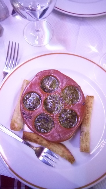 Escargot with garlic butter sauce